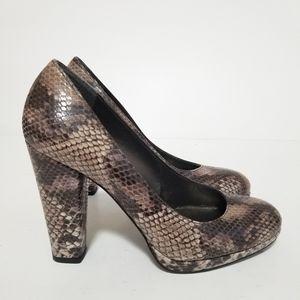 Stuart weitzman size 7.5 snake print leather heels